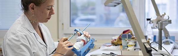 prothésiste en Chirurgie maxillo-faciale, orale et stomatologie